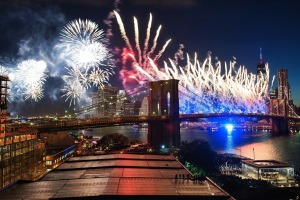 Traveling to NYC? Book your 4th of July Fireworks cruises in advance!